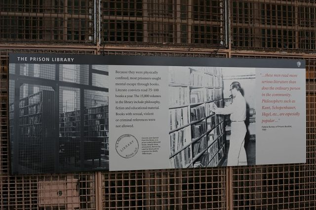 Prison_library_at_Alcatraz_Federal_Penitentiary_(TK)